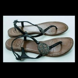 TORY BURCH BLACK PATENT LEATHER THONG SANDALS LOGO